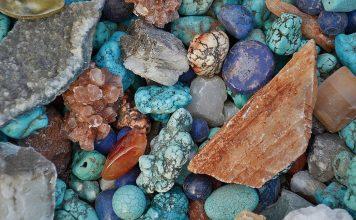 Stenar och mineraler. Foto: G Lady. Licens: Pixabay.com (free use)
