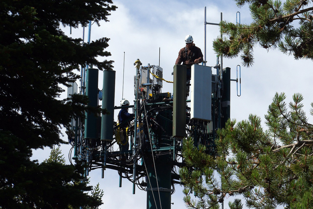 Mobile phone cellular tower 5G. Foto: Mike Goad. Licens: Pixabay.com (free use)