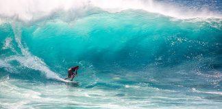 Big wave surfing. Foto: Kanenori