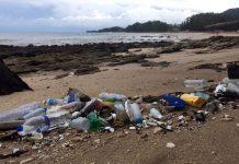 Strand med plastskräp i Thailand, 2019. Foto: Sanja R. Juric för TV Helse och NewsVoice