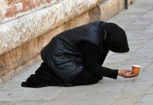 begging-, tiggare. Foto: Pxhere.com, public domain (free use)