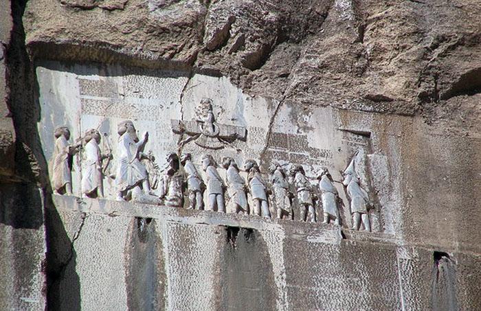 Ahura Mazda - Foto: Aryobarzan. Licens: CC BY-SA 3.0, Wikimedia Commons