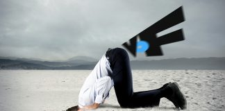 VoF-fart. Montage: NewsVoice. Original och licens: Shutterstock