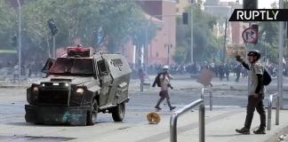 Upproren i Santiago, Chile den 23 okt 2019. Foto: Ruptly.com