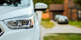 Bilförsäkring. Foto: Sarah Brown. Licens: Unsplash.com