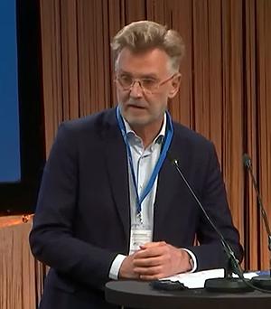Anders Danielsson, statlig utredare för Sveriges psykologiska försvar vid Folk och Försvars Rikskonferens 2020.