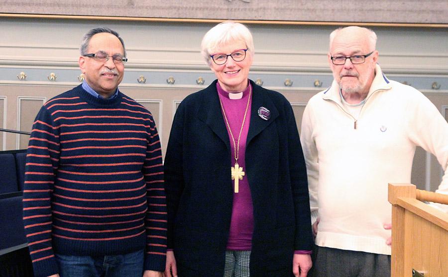"""Dennis Chandra (t.v.), en sk """"targeted Individual"""", Antje Jackelen, ärkebiskop och Ingemar Ljungqvist"""