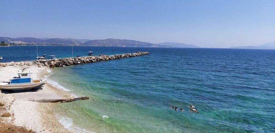 Stränderna lika tomma som på 1970-talet? Samos, Ireon, 25 aug 2020 mitt i coronakrisen. Foto: Sassersson