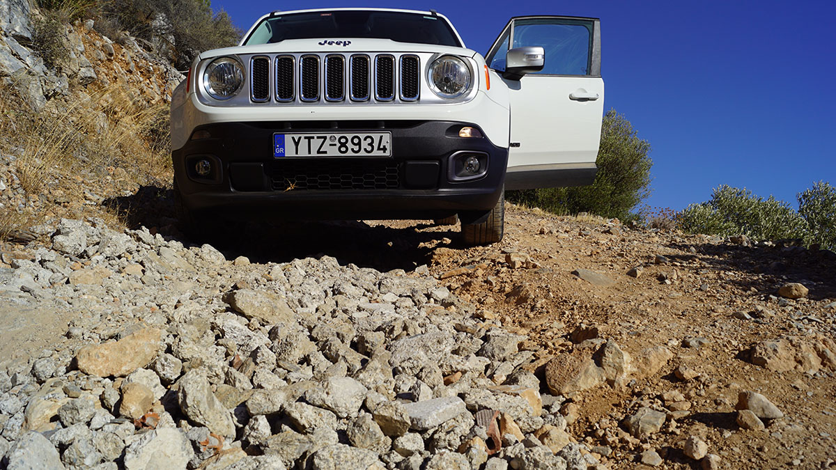 Jeep Renegade på Samos, 23 aug 2020. Foto: T. Sassersson