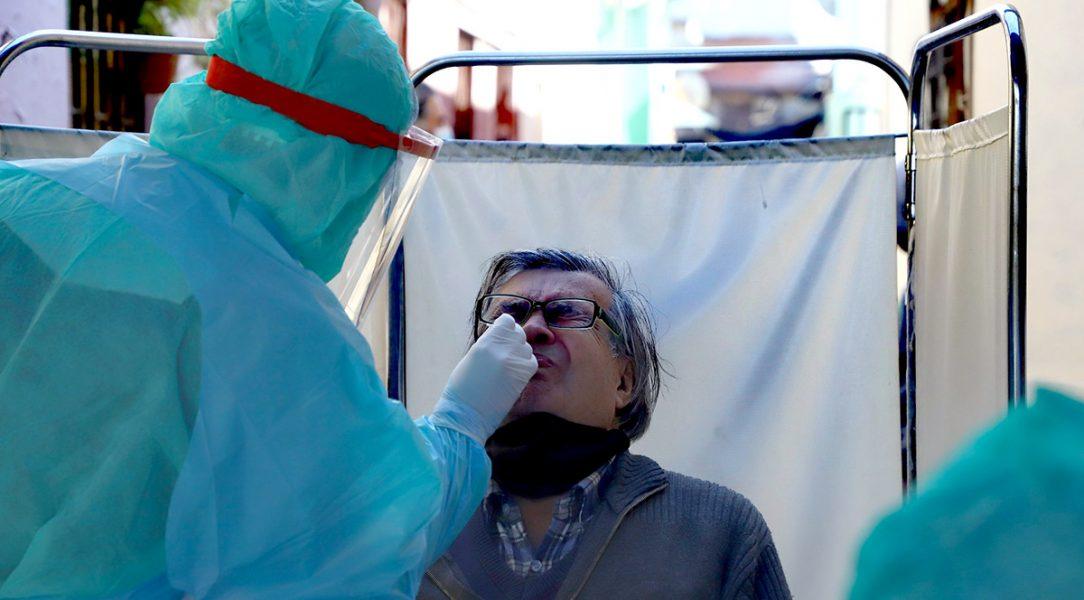 PCR-test. Foto: I. Municipalidad de Santiago (STGO). Licens: Flickr.com