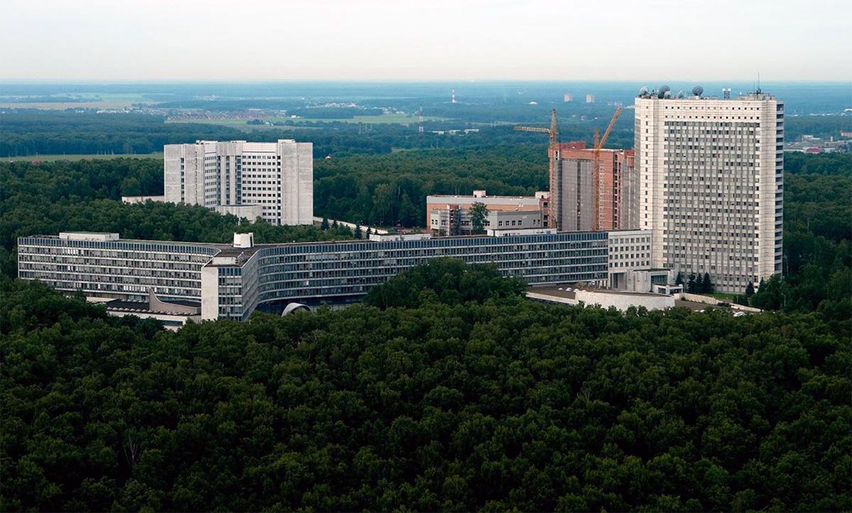 Ryska SVR (HK utanför Moskva i bild) motsvarar amerikansak CIA. Foto: Wikimapia.org