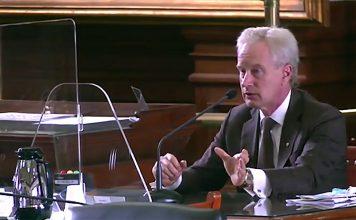 Dr Peter McCullough. Foto: Texas Senate hearing,11 mars 2020