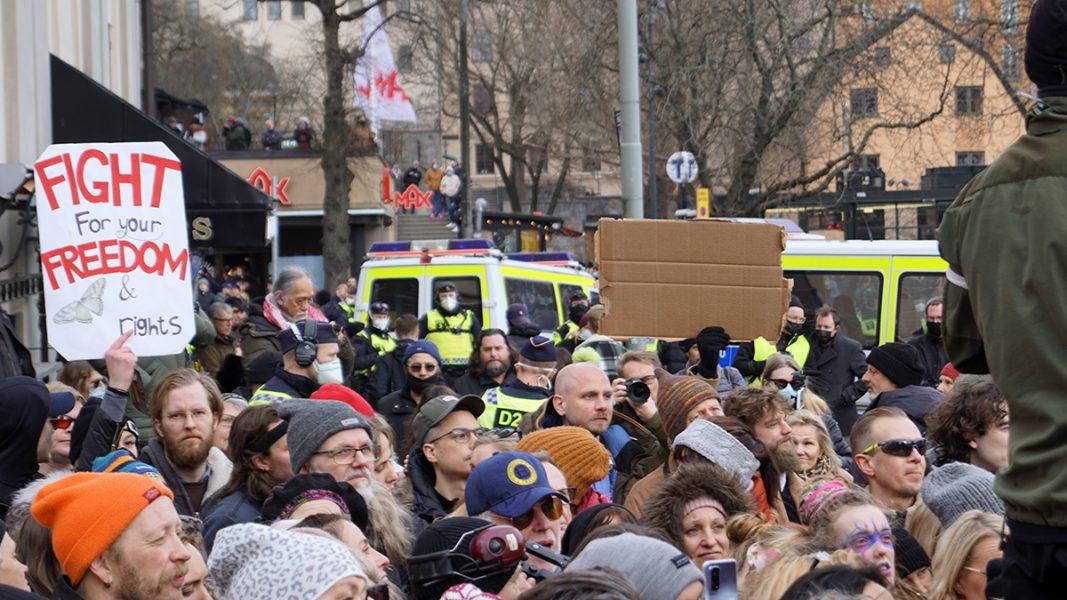 Folksamling på Medborgarplatsen - Tusenmannamarschen 6 mars 2021. Foto: T. Sassersson, NewsVoice