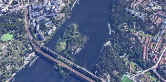 Årsta, holmar och Årstaskogen, 2021. Satellitfoto: Google Maps