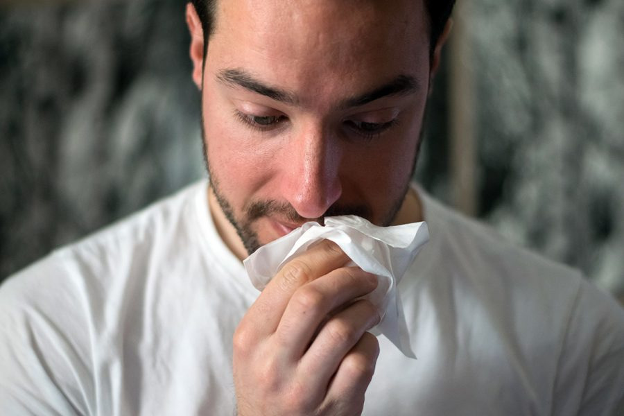 Allergi, snuva, influensa. Foto: Brittany Colette. Licens: Unsplash,com