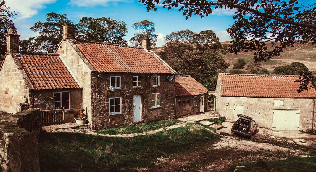 Bo på landet. Foto: Marcus Cramer. Licens. Unsplash.com