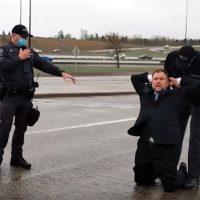 Artur. Pawlowski arresterades den 8 maj och fördes bort. Foto: privat video
