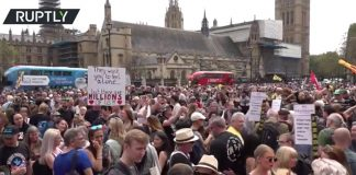 London-demonstrationer mot covidvacciner, 29 maj 2021. Foto: Ruptly