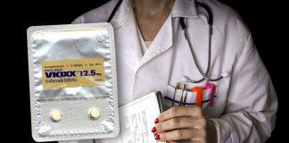 Läkare skrev ut Vioxx i 30 år. Foto (läkare): Mostphotos.com. Montage: NewsVoice