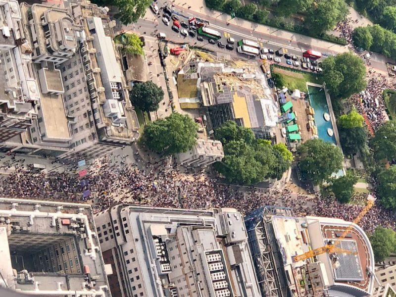 London 26 juni 2021, antilockdown protester. Foto: Drönare, läsarbild
