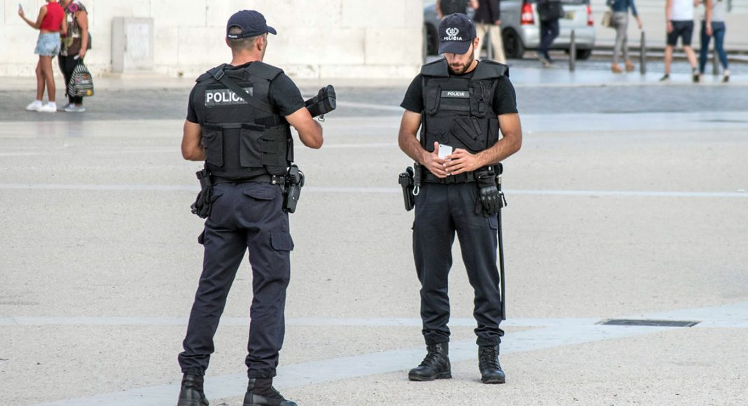 Policia portuguesa - den portugisiska polisen. Foto: Pedro. Licens: CC BY 2.0