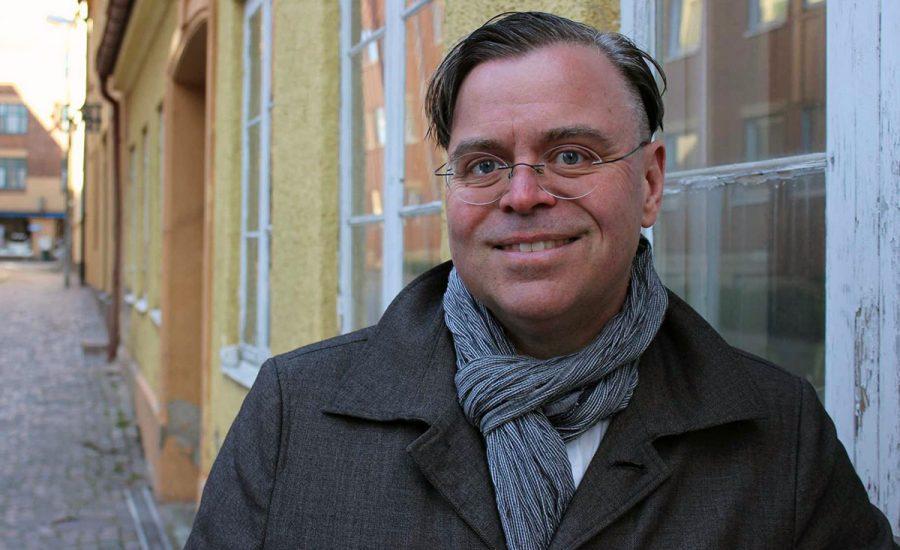 Konspirationsprofessorn Andreas Önnefors. Pressfoto: Tea Jahrehorn för Uppsala Universitet
