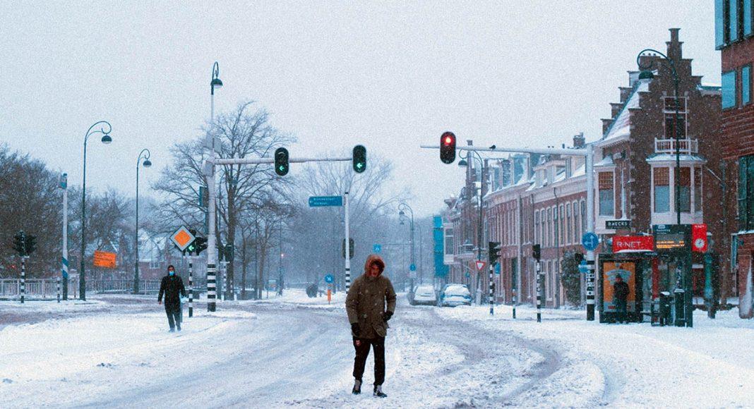 Kallt väder - kallt klimat. Foto: Marc Kleen. Licens: Unsplash.com