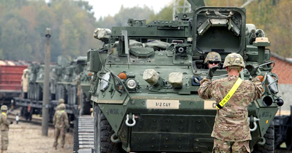 US troops tanks - Photo: Staff Sgt. Keith Anderson,   US Army